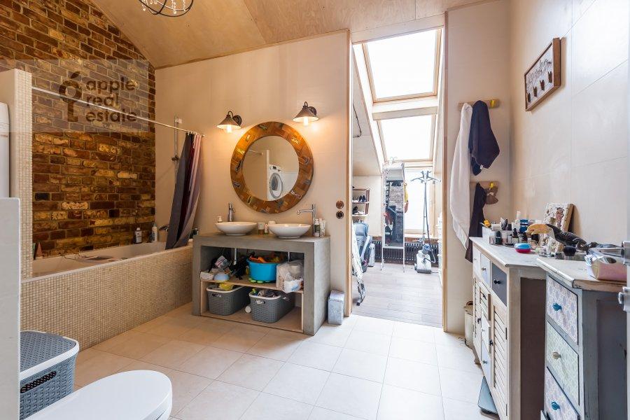 Bathroom of the 2-room apartment at Varshavskoe shosse 9s1