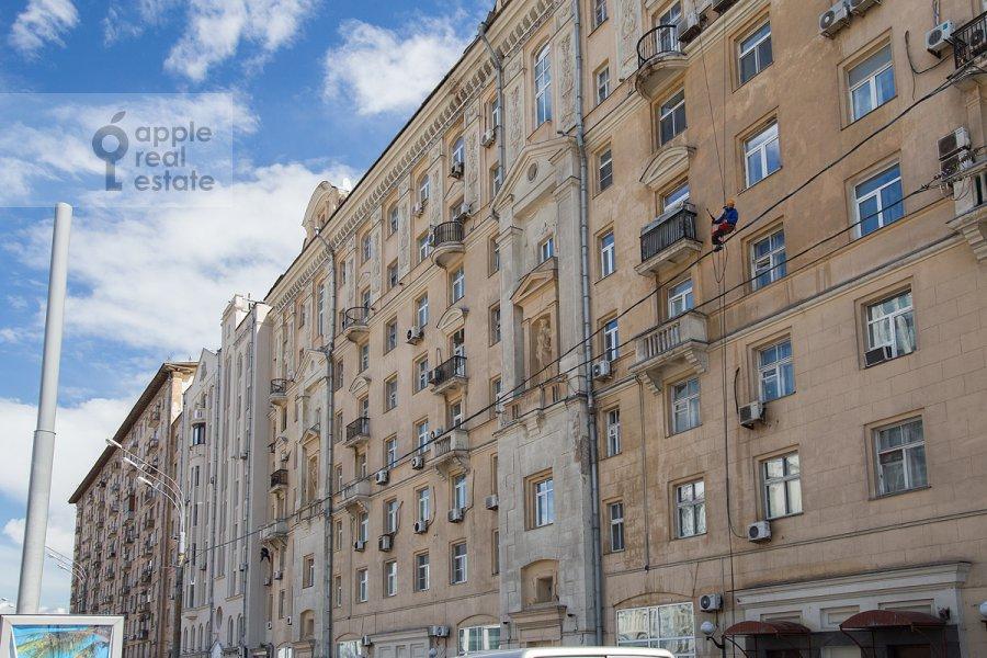 Фото дома 3-комнатной квартиры по адресу Садовая-Каретная улица 4/6с1
