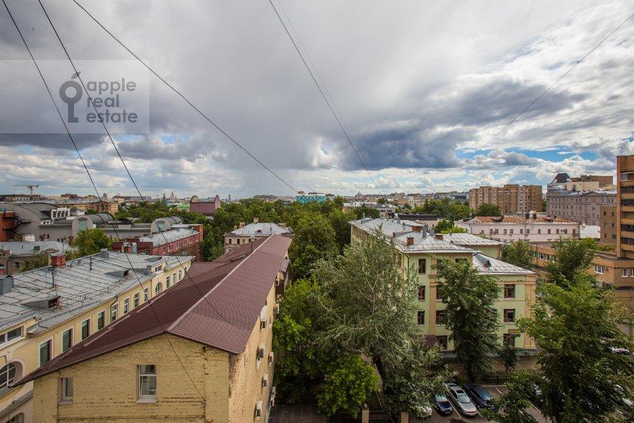 Вид из окна в 3-комнатной квартире по адресу Садовая-Каретная улица 4/6с1