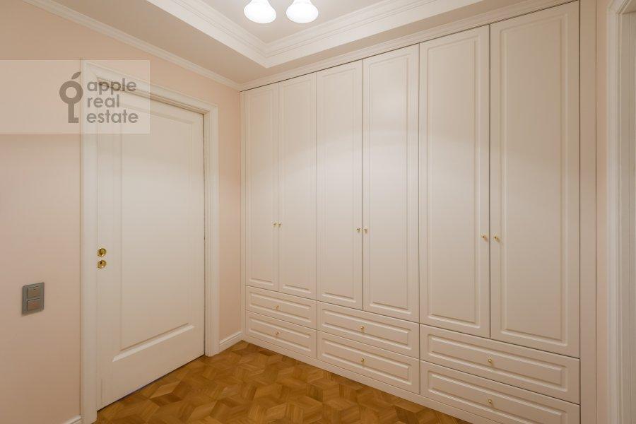 Коридор в 2-комнатной квартире по адресу Петровский бульв. 21