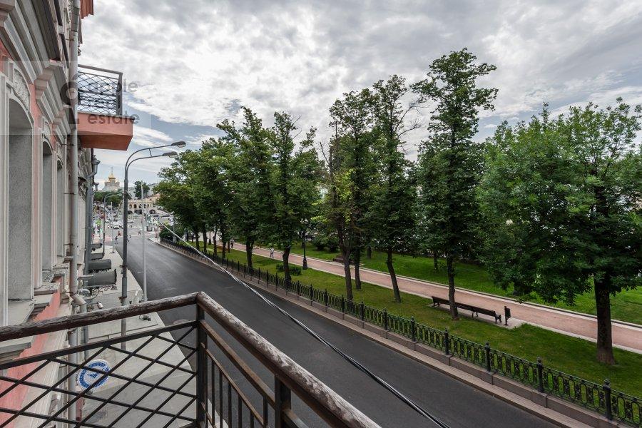 Вид из окна в 2-комнатной квартире по адресу Петровский бульв. 21