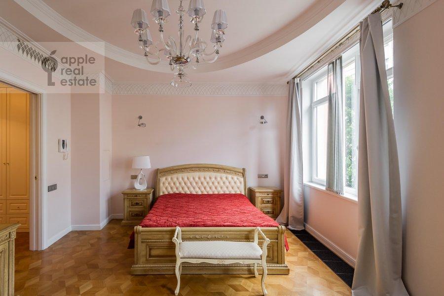 Спальня в 2-комнатной квартире по адресу Петровский бульв. 21