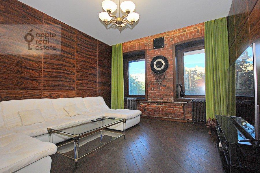 Living room of the 3-room apartment at Bronnaya Bol'shaya ul. 27/4