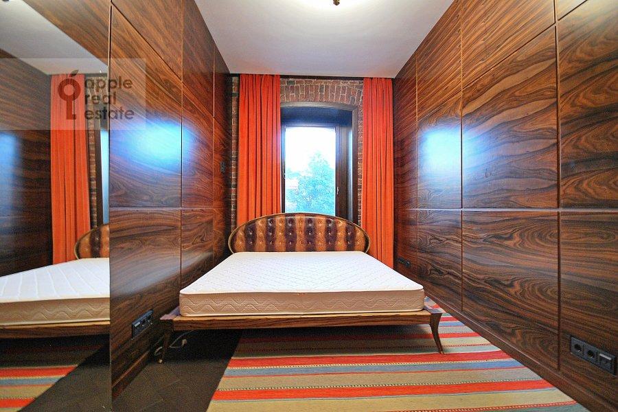 Bedroom of the 3-room apartment at Bronnaya Bol'shaya ul. 27/4