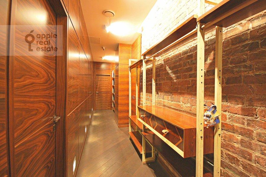 Corridor of the 3-room apartment at Bronnaya Bol'shaya ul. 27/4