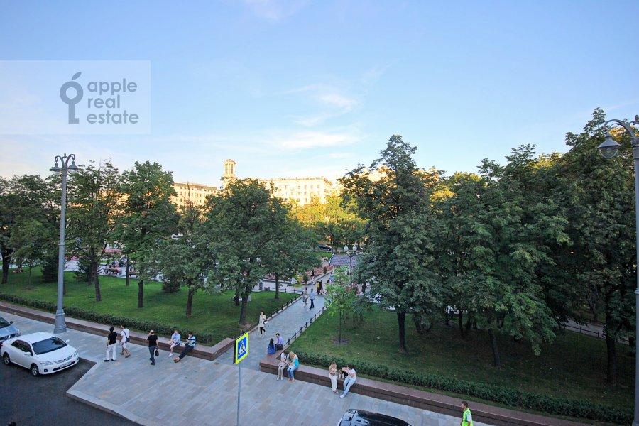View from the window of the 3-room apartment at Bronnaya Bol'shaya ul. 27/4