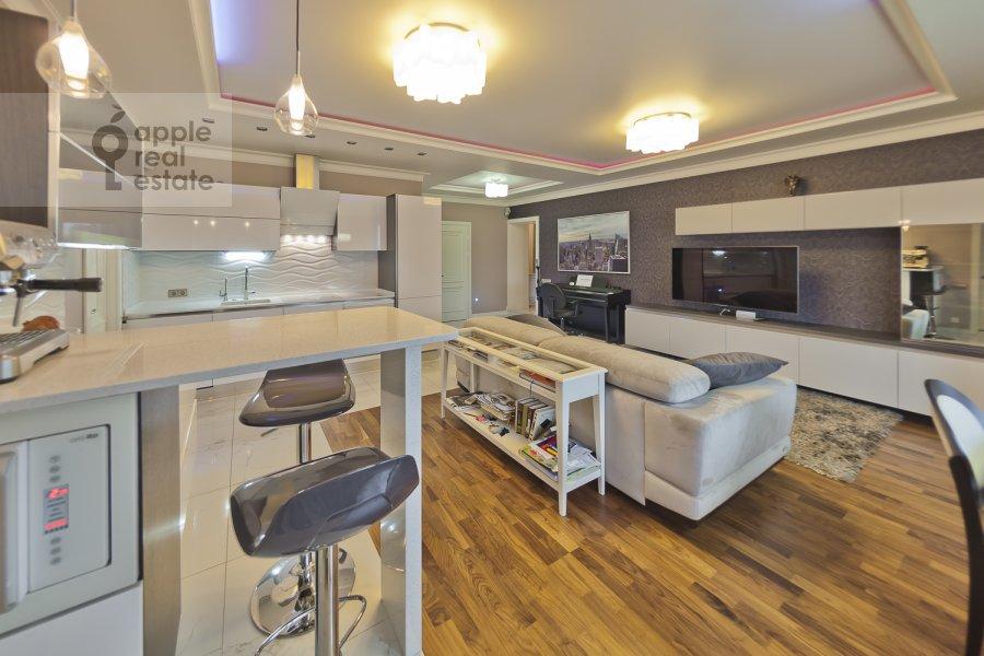 Гостиная в 4-комнатной квартире по адресу Бакунинская ул. 26-30c1