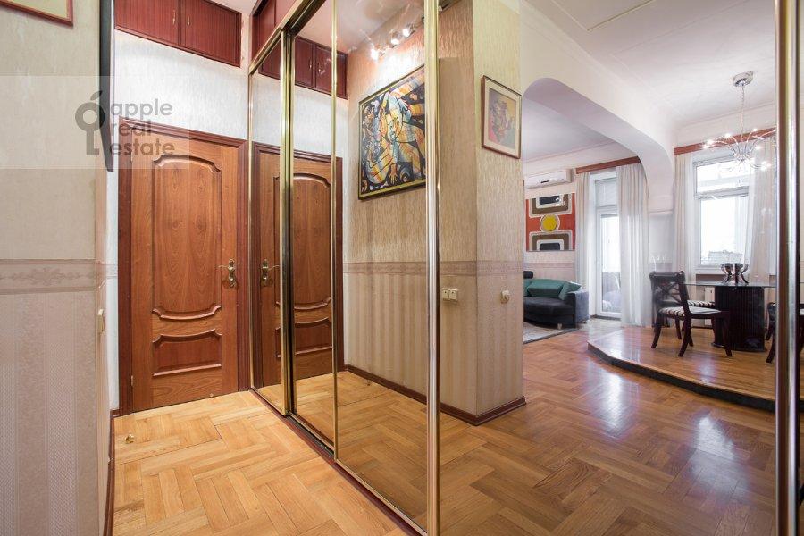Corridor of the 2-room apartment at Leninskiy prosp. 13