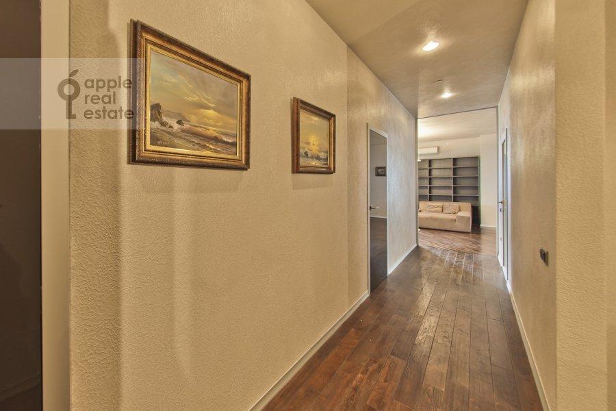 Corridor of the 4-room apartment at Chapaevskiy per. 3