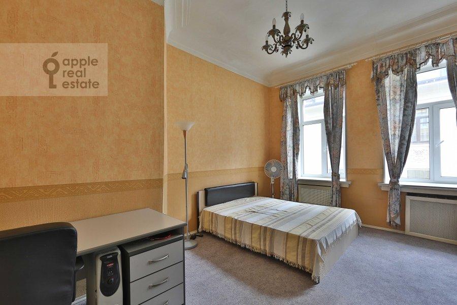 Спальня в 4-комнатной квартире по адресу Каковинский Малый пер. 3к1