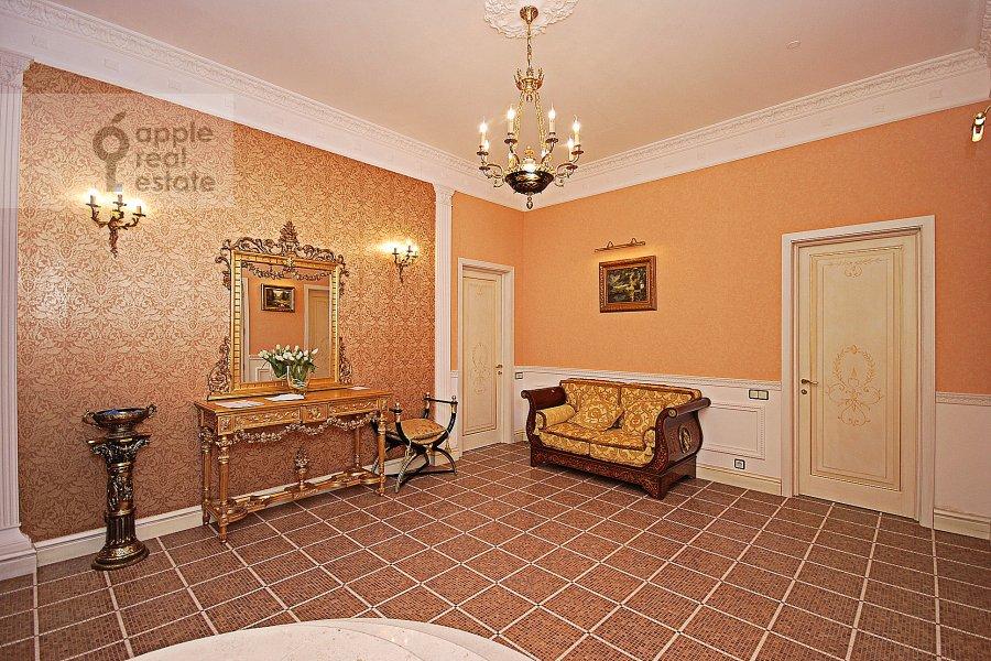 Corridor of the 3-room apartment at Chapaevskiy per. 3