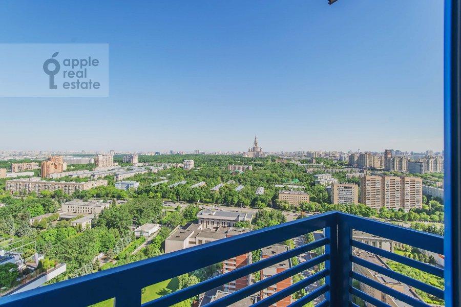 Balcony / Terrace / Loggia of the 3-room apartment at Mosfil'movskaya ulitsa 70k3