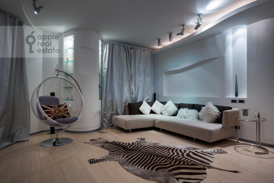 Гостиная в 3-комнатной квартире по адресу Остоженка ул. 25