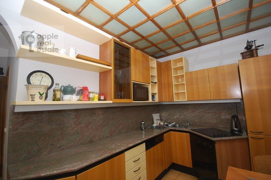 Kitchen of the 3-room apartment at Sadovaya-Kudrinskaya ulitsa 8/12