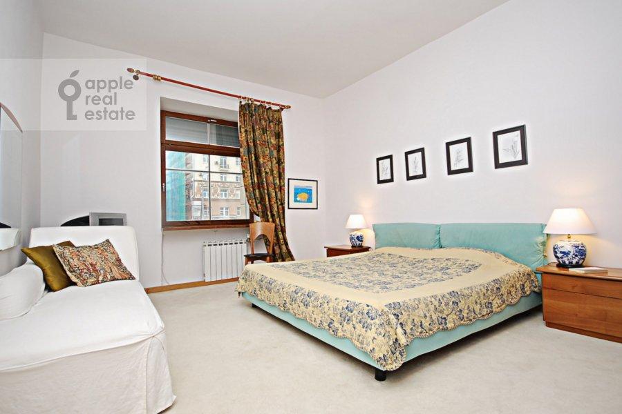 Bedroom of the 3-room apartment at Sadovaya-Kudrinskaya ulitsa 8/12