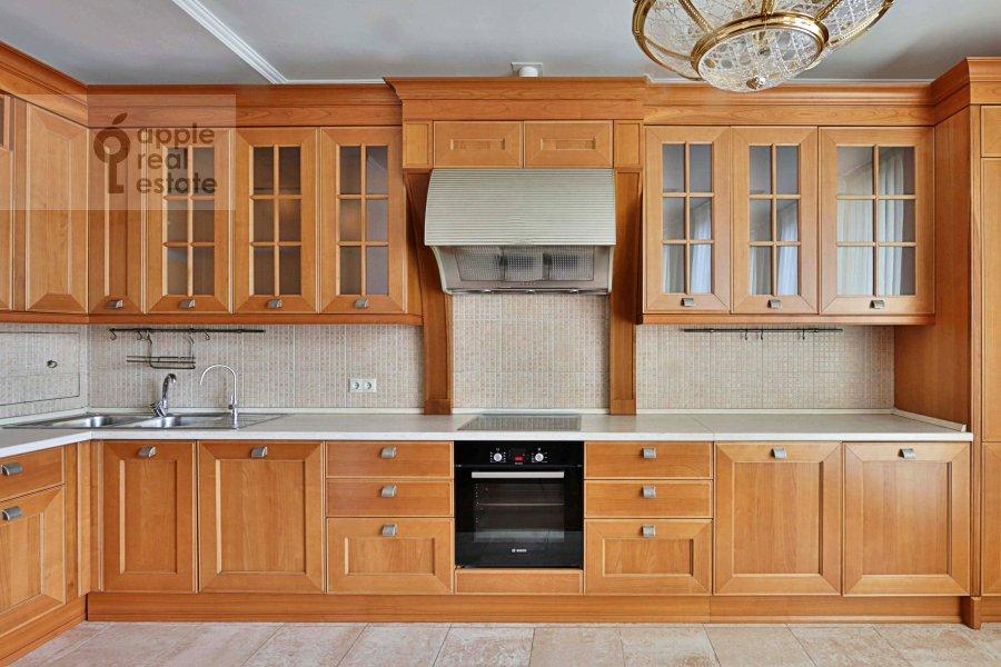 Kitchen of the 4-room apartment at Tikhvinskaya ul. 10