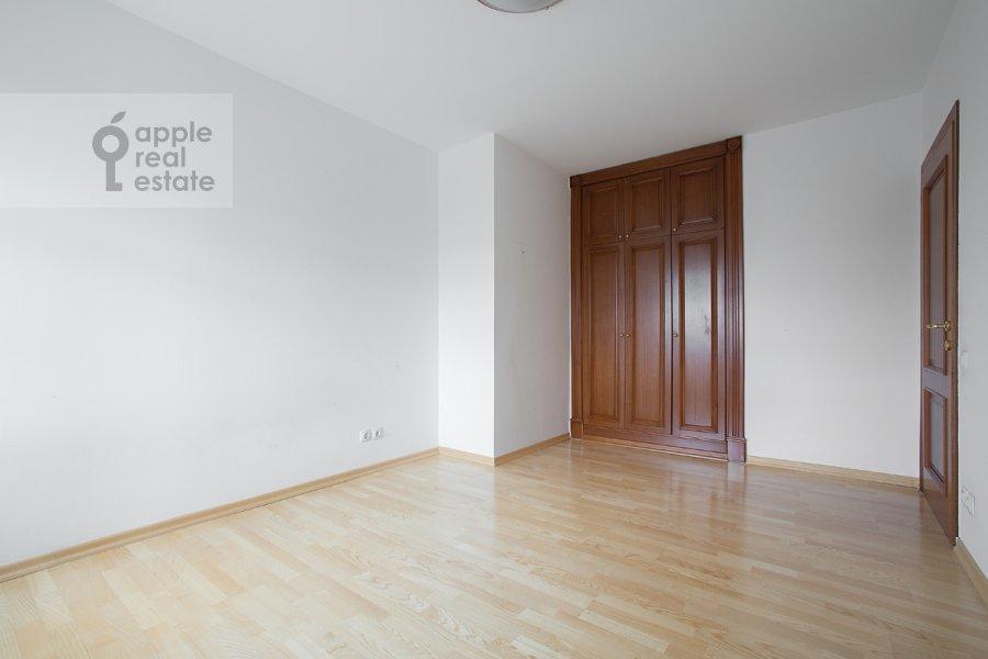 Спальня в 4-комнатной квартире по адресу Цветной бульв. 16