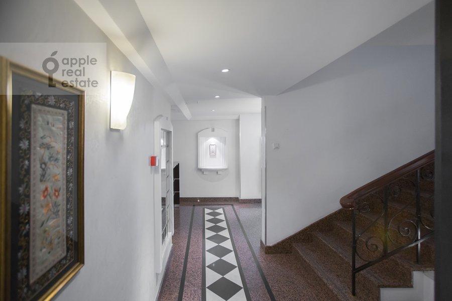 Коридор в 4-комнатной квартире по адресу Цветной бульв. 16