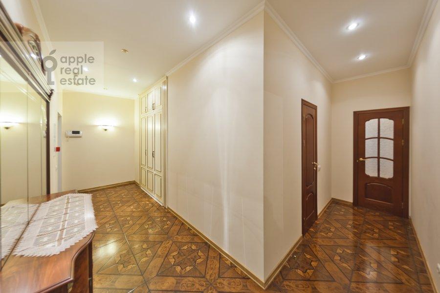 Corridor of the 3-room apartment at Davydkovskaya ul. 16