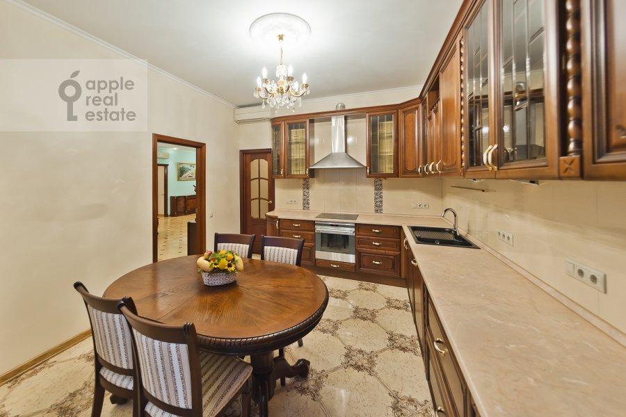 Kitchen of the 3-room apartment at Davydkovskaya ul. 16