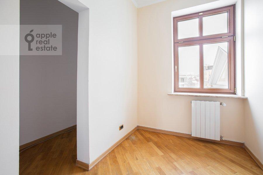 Детская комната / Кабинет в 4-комнатной квартире по адресу Остоженка 25