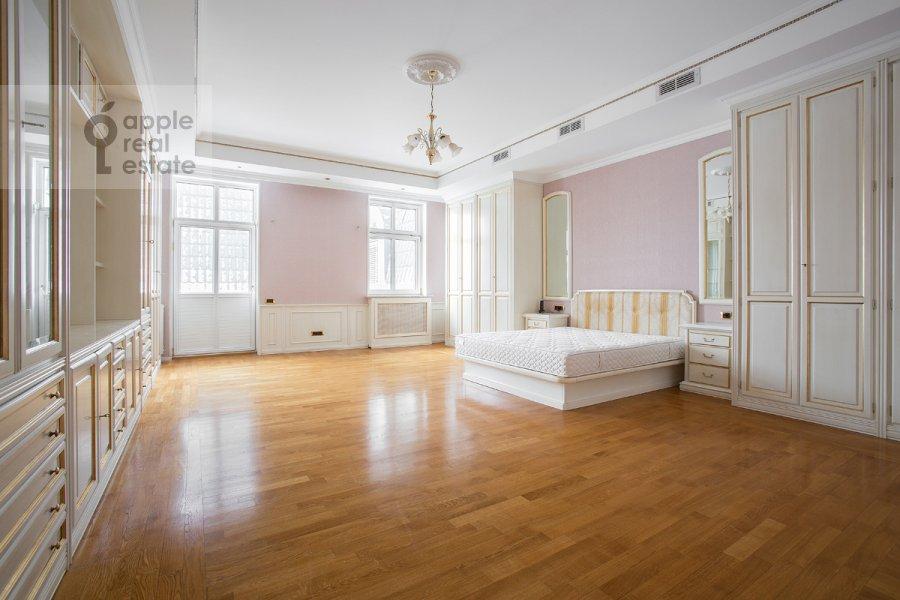Спальня в 4-комнатной квартире по адресу Остоженка 25