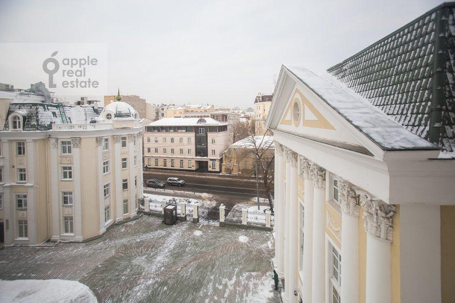 Вид из окна в 4-комнатной квартире по адресу Остоженка 25