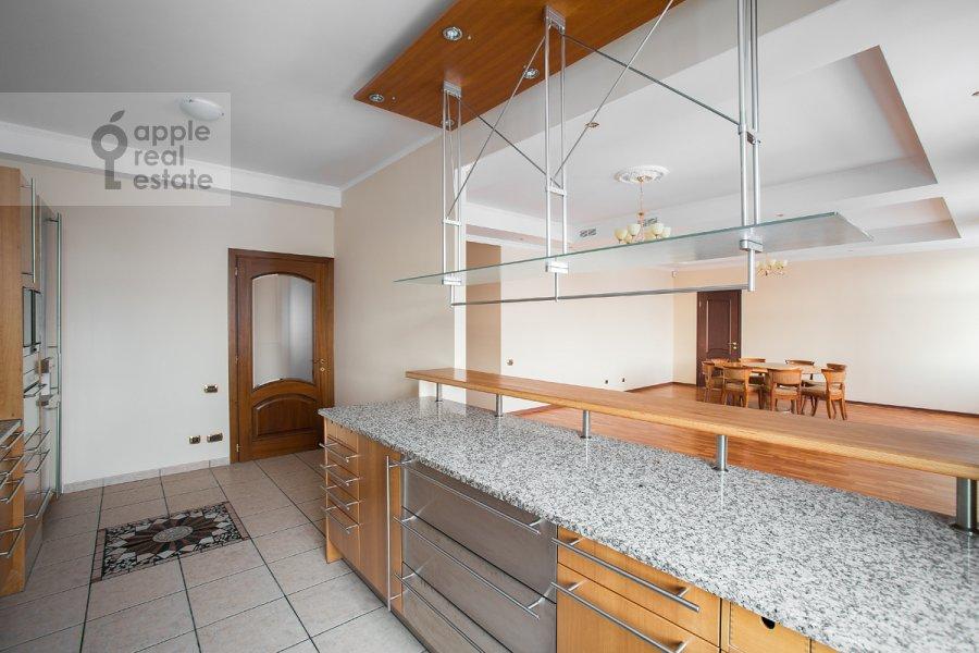 Кухня в 4-комнатной квартире по адресу Остоженка 25