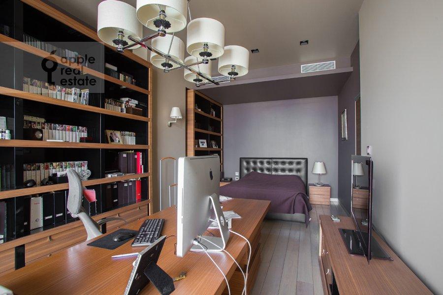 Спальня в 6-комнатной квартире по адресу Ленинградское шоссе 37к1