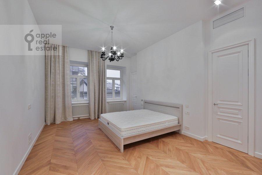 Спальня в 2-комнатной квартире по адресу Никольская ул. 10/2с2Б