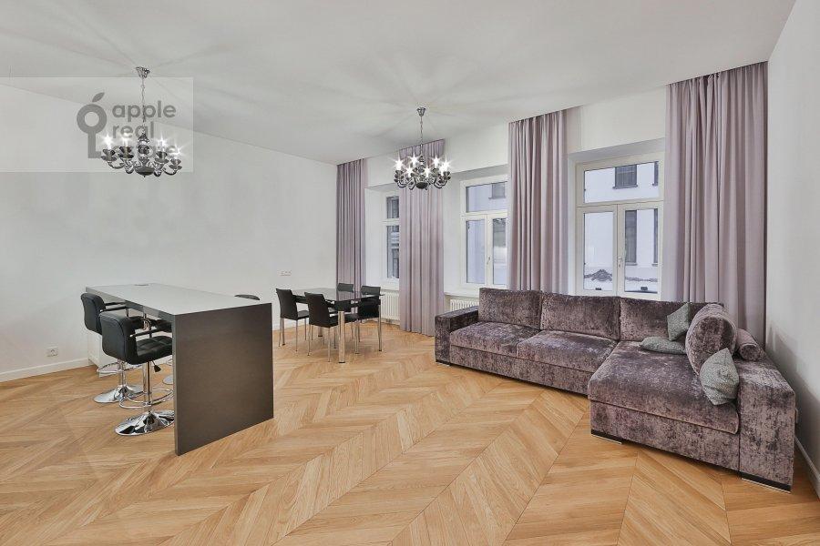 Гостиная в 2-комнатной квартире по адресу Никольская ул. 10/2с2Б