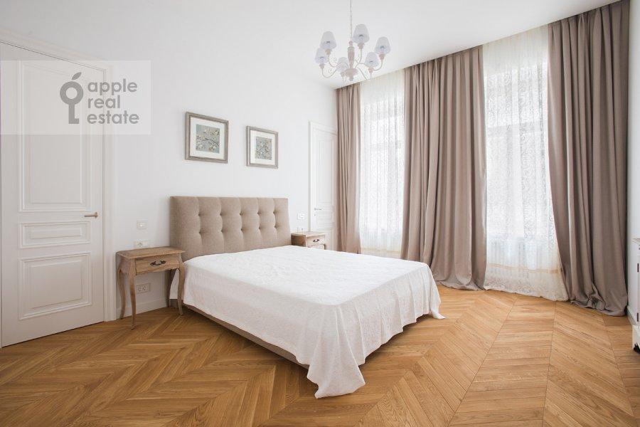 Спальня в 3-комнатной квартире по адресу Никольская ул. 10/2с2Б