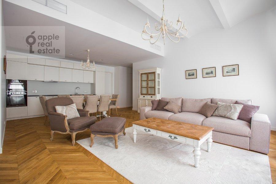 Гостиная в 3-комнатной квартире по адресу Никольская ул. 10/2с2Б