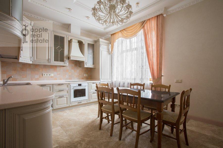 Kitchen of the 6-room apartment at Tverskaya-Yamskaya 3-ya ul. 25