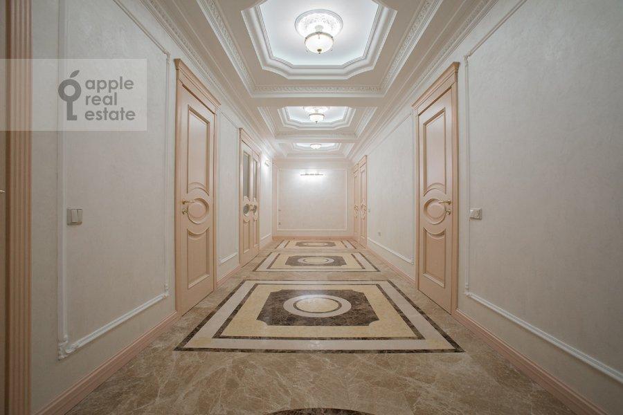 Corridor of the 6-room apartment at Tverskaya-Yamskaya 3-ya ul. 25