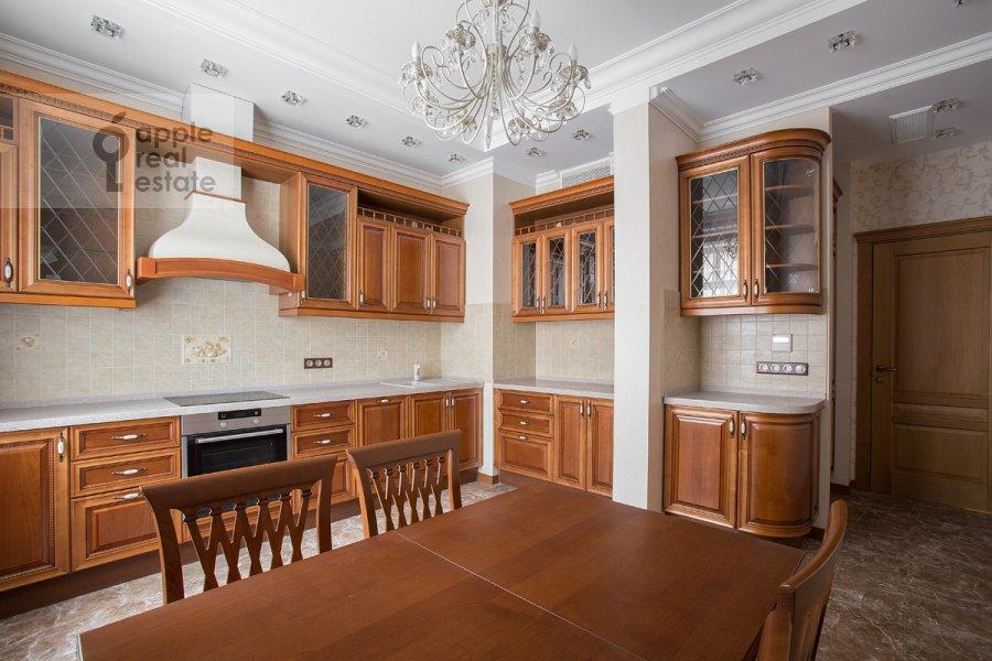 Кухня в 4-комнатной квартире по адресу Тверская-Ямская 3-я ул. 25