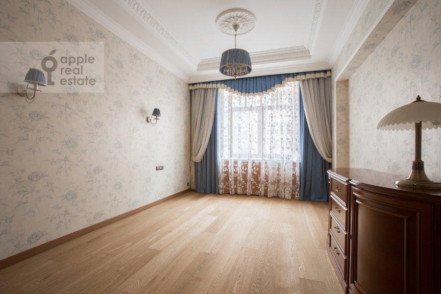 Гостиная в 4-комнатной квартире по адресу Тверская-Ямская 3-я ул. 25
