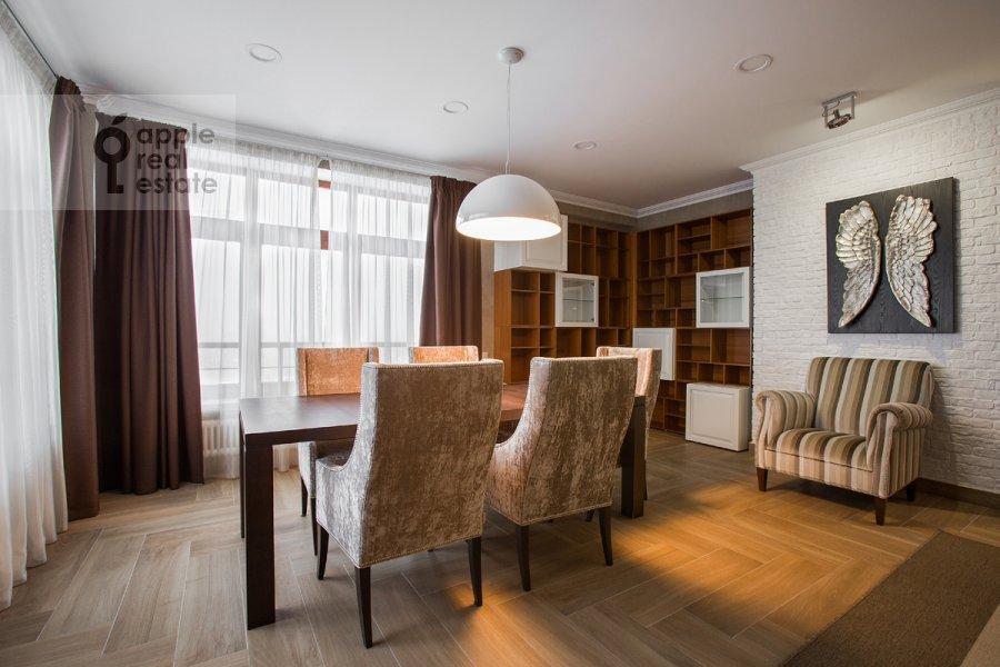 Living room of the 5-room apartment at Bol'shoy Tishinskiy pereulok 10s1