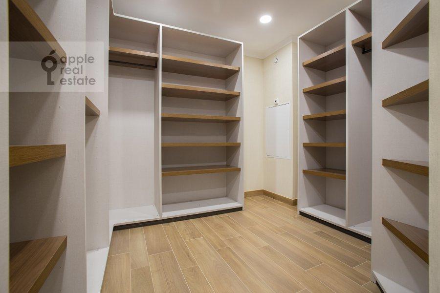 Walk-in closet / Laundry room / Storage room of the 5-room apartment at Bol'shoy Tishinskiy pereulok 10s1