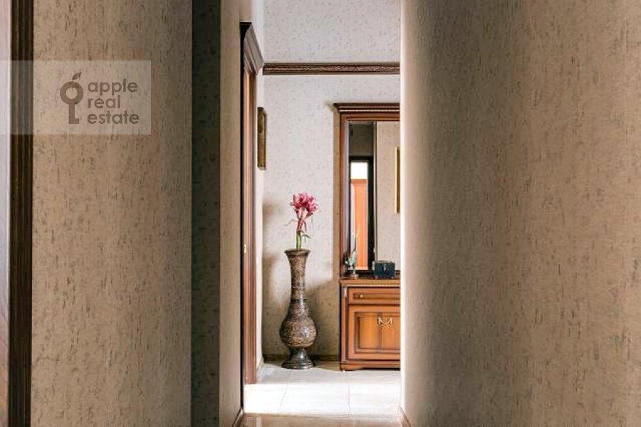Corridor of the 3-room apartment at Varsonof'evskiy per. 4s1