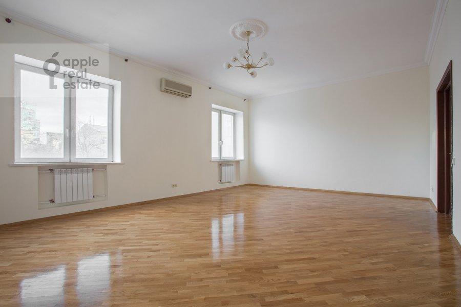Living room of the 3-room apartment at Staryy Tolmachevskiy pereulok 3