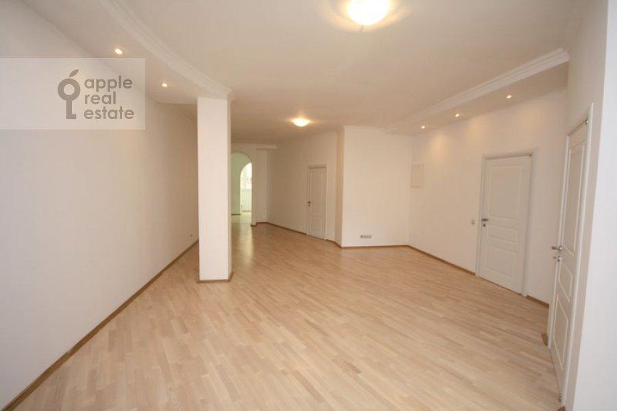 Гостиная в 3-комнатной квартире по адресу Филипповский пер. 13