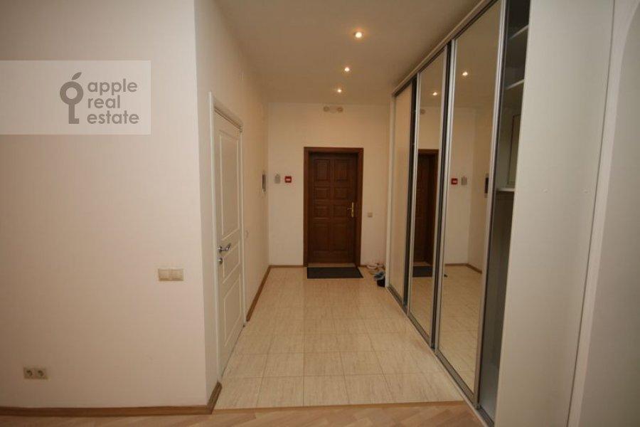 Коридор в 3-комнатной квартире по адресу Филипповский пер. 13