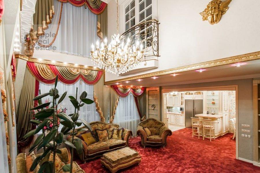Гостиная в 5-комнатной квартире по адресу Бажова ул. 8