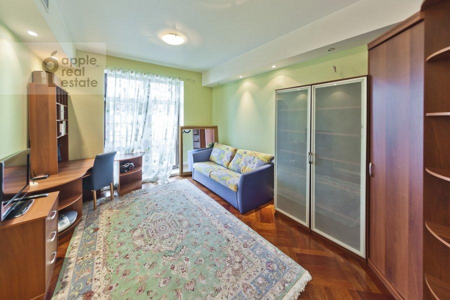 Детская комната / Кабинет в 4-комнатной квартире по адресу Лялин пер. 19к1