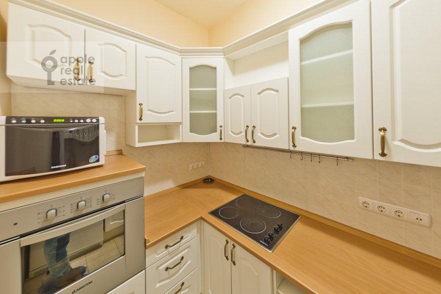 Кухня в 4-комнатной квартире по адресу Лялин пер. 19к1