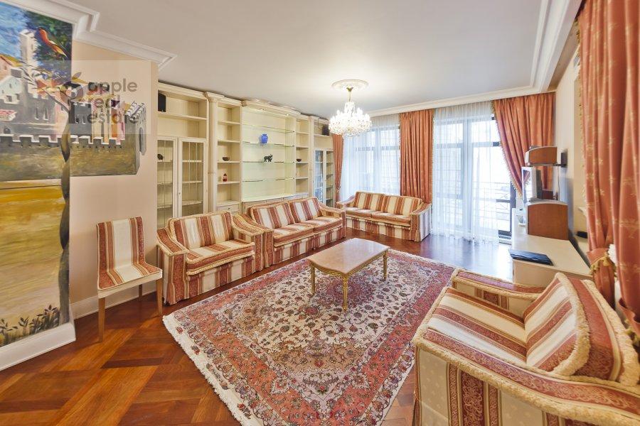 Гостиная в 4-комнатной квартире по адресу Лялин пер. 19к1