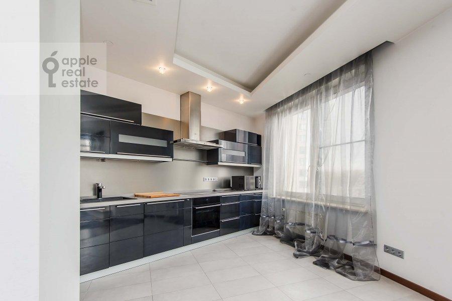 Kitchen of the 3-room apartment at Mosfil'movskaya ul. 70k3