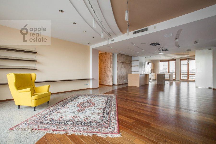 Living room of the 4-room apartment at Strastnoy bul'v. 10k1