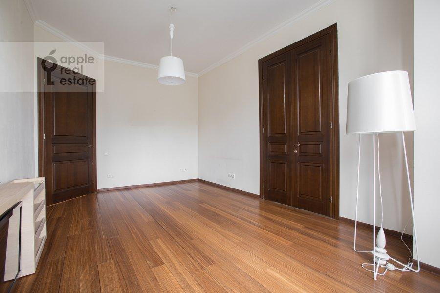 Гостиная в 3-комнатной квартире по адресу Новокузнецкий 1-й пер. 10с1